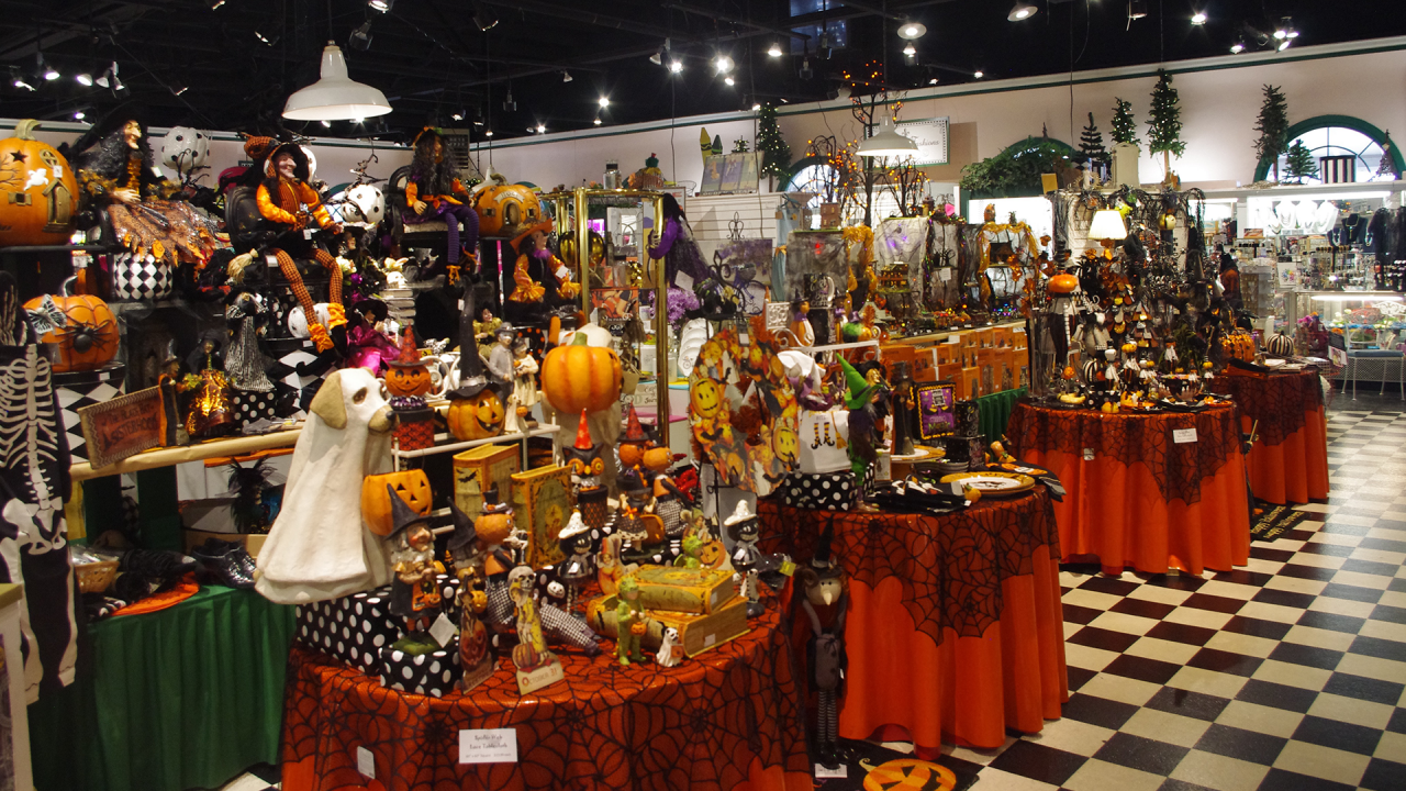 Halloween Decor Rainbow Gardens